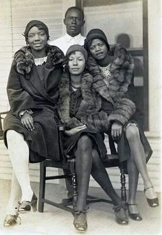 """There were many fabulous African American flappers. No wonder - it was African American musicians who put the Jazz in """"The Jazz Age""""! Jazz Age, Ansel Adams, Black Art, Model Tips, American Photo, American Fashion, American Makeup, Image Fashion, Fashion Fashion"""