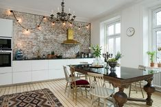 Kitchen with brick wall exposed brick wall kitchen ideas ambiance brick wal Brick Wall Kitchen, Brick Room, Kitchen Dining, Kitchen Decor, Kitchen Ideas, Brick Interior, Kitchen Interior, Room Interior, Interior Styling