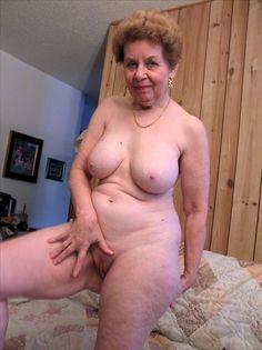 Donne vecchie nude | donne vecchie che si masturbano | nonne nude | penetrazioni di donne anziane