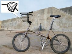 Easy Bike Baskets - This Handlebar Basket is extremely convenient for those of you who like to take your little pets for a bike ride, or those of you who bike to the g. Bicycle Basket, Bike Baskets, Bike Storage Solutions, Velo Cargo, Velo Vintage, Pedal, Buy Bike, Bicycle Maintenance, Bicycle Design