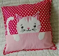 Cojinesneed to make pillows with the little heads of sheep, can't remember Sewing Pillows, Diy Pillows, Decorative Pillows, Throw Pillows, Cat Applique, Applique Quilt Patterns, Applique Designs, Patchwork Pillow, Quilted Pillow
