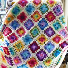 The rainbow granny square blanket is a balanced colourful blanket made from a very simple pattern. It's Suitable for beginners and advanced crocheters