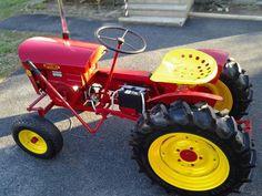 Very nice speedex Small Tractors, Old Tractors, Lawn Tractors, Small Garden Tractor, Garden Tractor Pulling, Antique Tractors, Vintage Tractors, Garden Tractor Attachments, Homemade Tractor