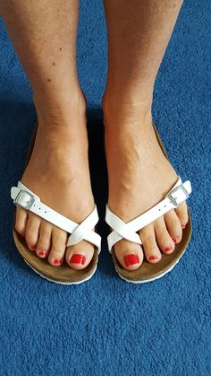 Toe Ring Sandals, Men Sandals, Toe Rings, Flip Flop Sandals, Flip Flops, Unisex Fashion, Women's Fashion, Clogs, Women's Feet