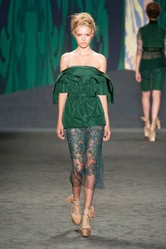 Vera Wang Spring 2013 Ready-to-Wear Runway