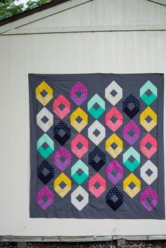 Quilting Tutorials, Quilting Projects, Quilting Designs, Sewing Tutorials, Sewing Projects, Fat Quarter Quilt, Fashion Books, Pattern Books, Square Quilt