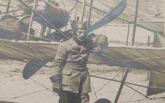 30 Ιουνίου 1912: Οαεροπόρος Υπολοχαγός Δημήτριος Καμπέρος κατέρριψε το παγκόσμιο ρεκόρ ταχύτητας υδροπλάνου (110 χλμ/ώρα) πετώντας από την Ύδρα στο Φάληρο.  Ο αεροπόρος Υπολοχαγός Δημήτριος Καμπέρος με το μετασκευασμένο από τον ίδιο υδροπλάνο Henry Farman Δαίδαλος στο πλαίσιο των δοκιμών πραγματοποίησε πτήση από το Φάληρο στην Ύδρα την οποία παρακολούθησε το αντιτορπιλικό Νίκη.  Κατά την επιστροφή στο Φάληρο κατέρριψε το παγκόσμιο ρεκόρ ταχύτητας υδροπλάνου (110 χλμ/ώρα) παρά τις αντίξοες καιρικ