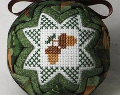 Quilted Keepsake Ornament Snowflake / Let by PattysCraftCorner