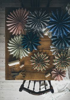 Home decoration is one of the most important elements that help you to define the… Christmas Paper, Christmas And New Year, Christmas Time, Christmas Crafts, Merry Christmas, Christmas Decorations, Recycled Crafts, Diy And Crafts, Paper Crafts