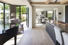Love the colour palette Home Interior Design, Interior Styling, Interior Architecture, Natural Home Decor, Easy Home Decor, Home Living, Living Spaces, Casa Loft, Casa Clean