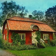 Love a little red cottage Fairytale Cottage, Farm Cottage, Red Cottage, Cottage Homes, Cute Small Houses, Little Houses, Red Houses, House In Nature, Nordic Home