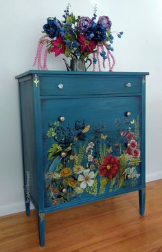 #upcycle #furniture #stencilart