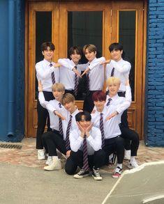 Stray Kids Global on Lee Min Ho, K Pop, Rapper, Kid Memes, Kids Wallpaper, Lee Know, Kpop Boy, Minho, Korean Boy Bands
