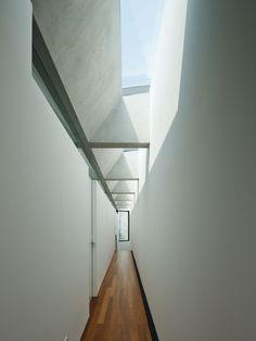 SBD25 / Apollo Architects & Associates