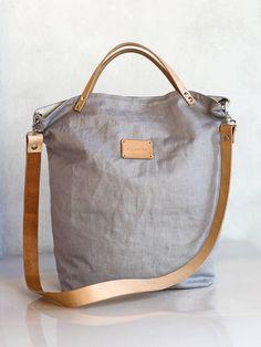 Kabelky - Dámska elegantná kabelka zo šedého ľanu s koženými remienkami - 8653728_