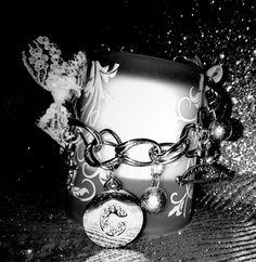 ♥Black and white version♥ ...work in progress in vista delle festività natalizie.... Per qualsiasi richiesta scrivetemi, for any request:  col_cuore@libero.it ....il mio sito, my website: www.colcuore.webs.com Grazie, Thanks #creatività #creation #creativity #handmade #blackwhite #bracciale #bracelet #charms #pendants #angel #angeli #eleganza #elegance #ispiration #original #argent #personalized #personalizzato #bijouxpersonalizzati #bijoux #gioielli #lace #pizzo #swarovski #strass #colcuore