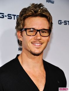 1000 Images About Celebs Wearing Glasses On Pinterest