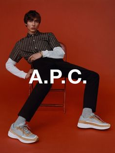 Paul Hameline photographed by Harley Weir and styled by Suzanne Koller for A.C fall / winter campaign & look book. Men Photography, Clothing Photography, Fashion Photography, Male Models Poses, Fashion Model Poses, Harley Weir, Ästhetisches Design, Sitting Poses, Fashion Advertising