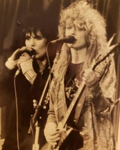 Nancy Wilson Heart, Wilson Sisters, Sisters By Heart, Best Rock, Great Bands, Rock And Roll, Musicians, Ann, Concert
