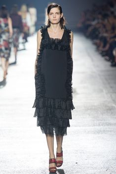 Dries Van Noten Spring 2014 Ready-to-Wear Fashion Show - Zlata Mangafic