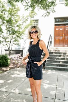 Best Rompers On The Internet, what to wear for a casual date night or girls night out or the perfect outfit for a summer vacation!