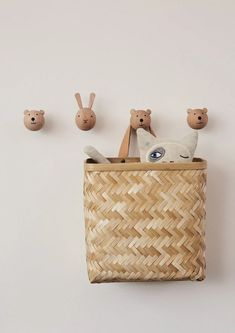 OYOY Mini Bear Wall Hook Design Shop, Wall Design, Basket A Roulette, Baskets On Wall, Wall Basket, Wood Sizes, Burke Decor, Kidsroom, Natural Leather