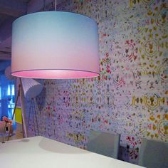 Betoverende #lampen: Één van de meest opvallende #interieur #trends van 2013 is wel #kleurverloop. Deze #hanglampen, ontworpen door Marc Th. van der Voorn - #Design, hebben ook zo'n bijzondere #print aan de binnenkant van de #lampenkap als je ze aandoet.