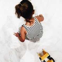 It's playtime with moon sand at the @omsi #pdx #pdxnow #ardenjosephine #kidsfashion #playing #playtime #kidsofinstagram #CopyCatChic