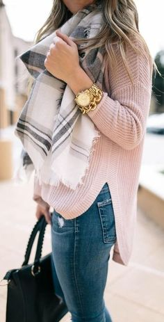 A chic blanket scarf that'll make your fall/winter outfit so much more fun.