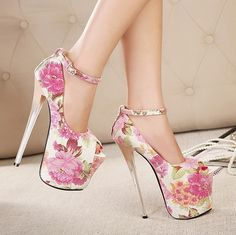 New arrivals sexy ankle trap 19 cm ultra high heels peep toe shoes floral pumps with red bottoms white Hot Heels, Sexy High Heels, Extreme High Heels, Super High Heels, Platform High Heels, High Heels Stilettos, High Heel Boots, Shoe Boots, Wedge Heels