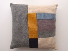 cushion by la casita.
