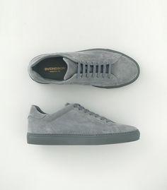 Mens Grey Shoes, Grey Sneakers, Best Sneakers, Suede Sneakers, Mens Boots Fashion, Sneakers Fashion, Italian Sneakers, Lacoste Shoes, Best Shoes For Men