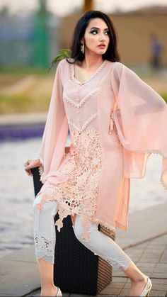 Party Wear Indian Dresses, Dress Indian Style, Indian Fashion Dresses, Indian Designer Outfits, Simple Pakistani Dresses, Pakistani Fashion Casual, Pakistani Dress Design, Fancy Dress Design, Stylish Dress Designs