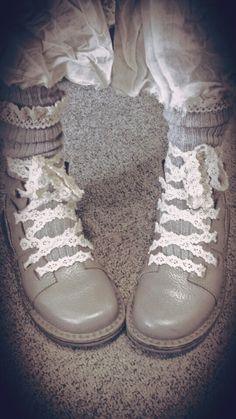 """♡♡♡ Trippen closed """"Saint"""" avec lacets en dentelle ♡♡♡"""