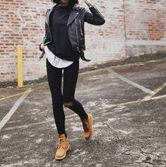 fashion-girl-winter-boots- Minimalist fashionable boots http://www.justtrendygirls.com/minimalist-fashionable-boots/