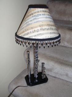 Flute lamp! Maybe I should do this with my butt-ugly antique d-flat flute that I'll never play and bought off eBay in a moment of weakness....