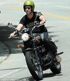 Hugh Laurie Triumph T100-Is there a Dr in the House?