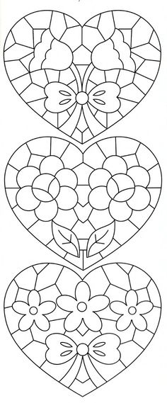 Lene Richelieu e Bainha Aberta stained glass or lace hearts with flowers