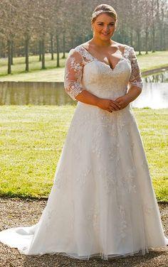 Romantic and Eye-catching Plus Size Wedding Dresses