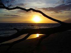 Which Hawaiian beach is your favorite? #hawaii www.menehunemaps.com