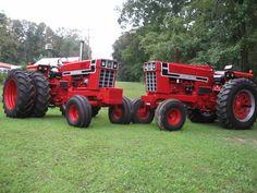 Allis Chalmers A Big Tractors, Farmall Tractors, Red Tractor, Antique Tractors, Vintage Tractors, Vintage Farm, International Tractors, International Harvester, Triumph Motorcycles