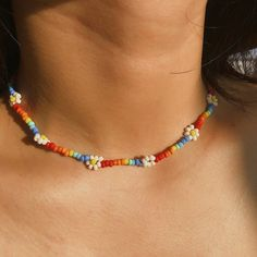 Daisy Flower Colorful Beaded Choker NecklaceThis seed bead choker necklace is truly a gift for her to wear with a warm heart and joyful days. Beaded Choker Necklace, Seed Bead Necklace, Diy Necklace, Beaded Bracelets, Necklace Ideas, Choker Jewelry, Jewelery, Summer Necklace, Seed Bead Bracelets Diy