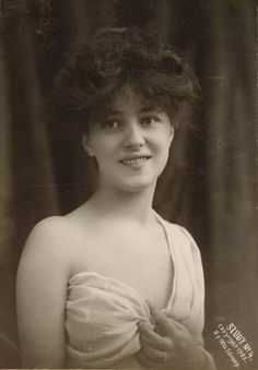 Evelyn Nesbit                                                       …