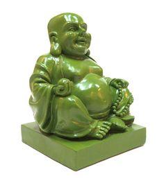 """""""No hay incendio como la pasión: no hay ningún mal como el odio"""" Buda. Una hermosa frase para comenzar la semana y para que te animes a visitar nuestra tienda en la que encontrarás este buda verde muy kitch y decorativo."""