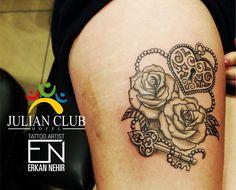 Lock and key, rose tattoo. Thigh. #tattoo #tattoos #girly #lock #key #rose #roses #thigh #girly #cute #girl #women #leg #artist #erkannehir #marmaris