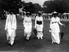 What We Wore 100 Years Ago: Fashion in 1914: White Dresses at Henley Regatta, England