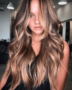 Red and Black Hair: Ombre, Balayage & Highlights - Style My Hairs Ombre Hair Color, Hair Color Balayage, Brown Hair Colors, Red Blonde Hair, Dark Hair, Brown Hair With Highlights, Blonde Highlights, Damp Hair Styles, Curly Hair Styles