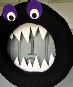 Yarn Wreath Felt Holiday Door Decoration Halloween por ItzFitz