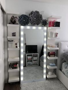 New room decor girly diy beds ideas Cute Room Decor, Teen Room Decor, Room Ideas Bedroom, Diy Bedroom, Trendy Bedroom, Diy Room Decor Tumblr, Bedroom Loft, Teen Room Furniture, Space Saving Bedroom