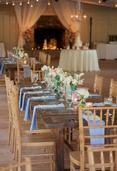 Plantation Fête with Soft Southern Details Middleton Place, Charleston Sc, Real Weddings, Table Settings, Southern, Wedding Inspiration, Table Decorations, Home Decor, Table Top Decorations